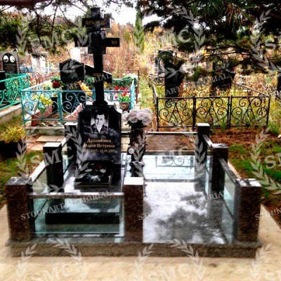 Памятник со стеклом СП — 016
