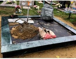 В какое время года заниматься благоустройством могил?