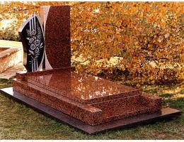 Использование мрамора и гранита в мемориальных комплексах