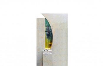 Памятники из стекла